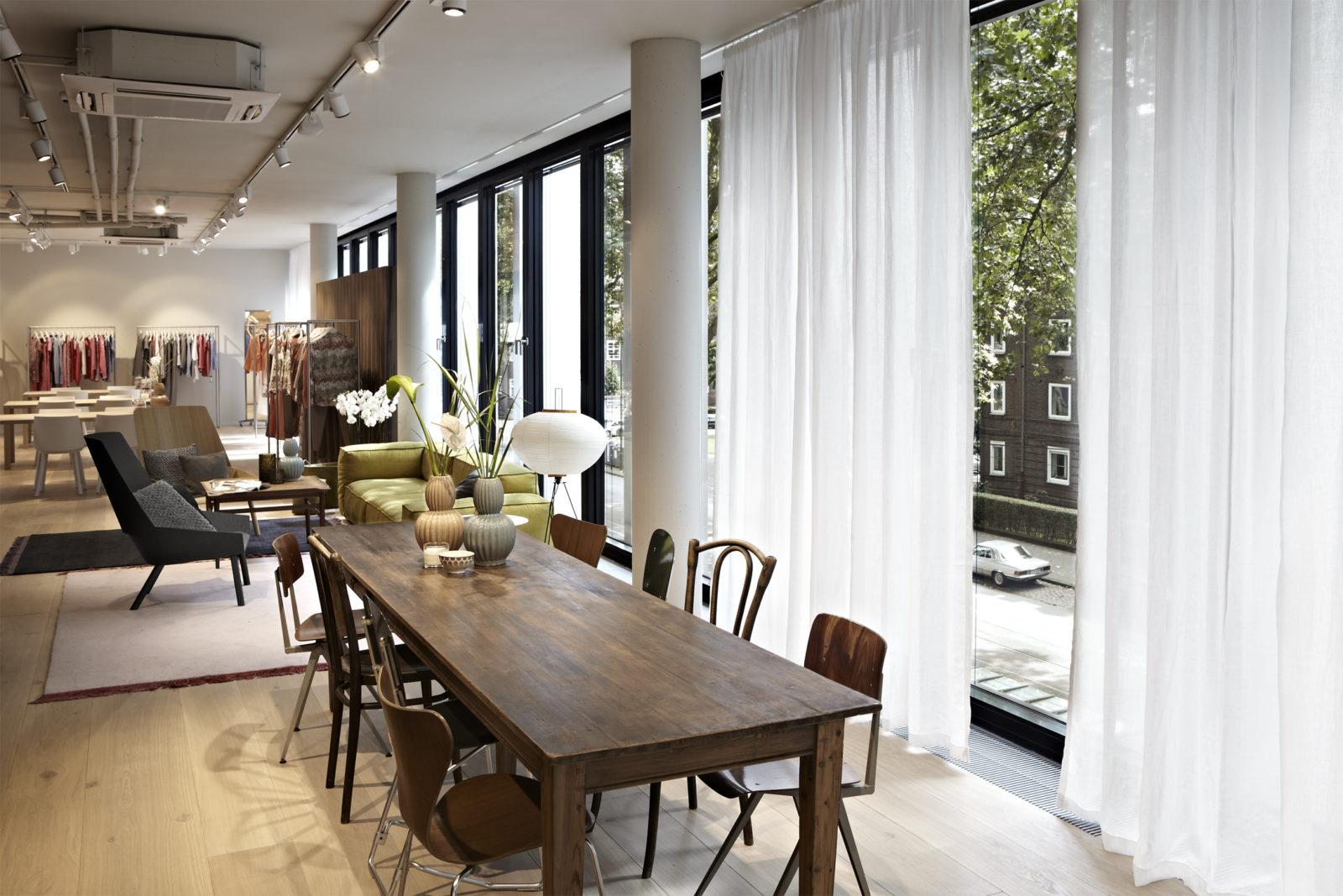 ren lezard d sseldorf philipp mainzer. Black Bedroom Furniture Sets. Home Design Ideas