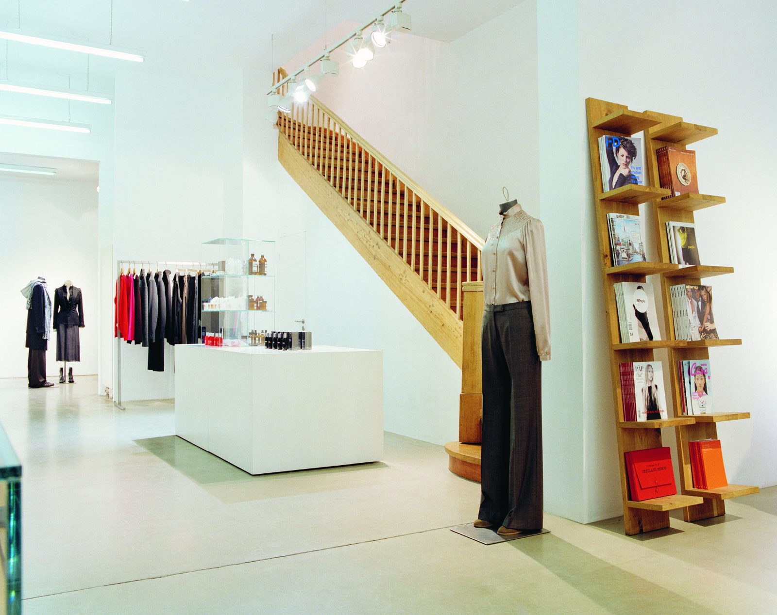 bergman frankfurt am main philipp mainzer. Black Bedroom Furniture Sets. Home Design Ideas